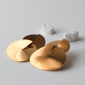 pendientes geométricos dorados berlín