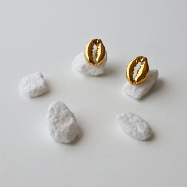 pendientes concha dorados